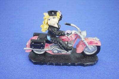 Miss Piggy Figurine - Moi Motorcycle - The Muppet Motorcycle Mania Collection