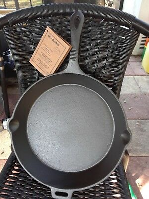 "Old Mountain 12 "" Skillet Pre Seasoned Cast Iron with Assist Handle - NWT"