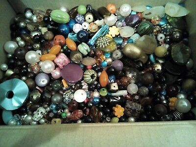 a job lot of 5.0kg+ of loose costume jewellery beads  ideal for craft