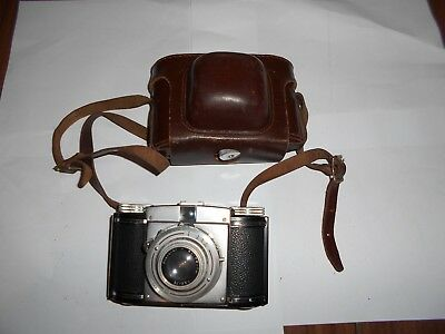 BRAUN PAXINA DBP 35  ROLL  FILM CAMERA  With Case Untested