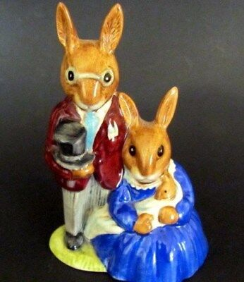 """""""FAMILY PHOTOGRAPH"""" ROYAL DOULTON BUNNYKINS  DB1 Retired Issued 1972-1988 Mint"""