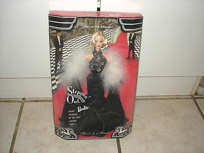 STEPPIN OUT BARBIE GREAT FASHION OF THE 20th CENTURY THIRD IN SERIES MINT IN BOX