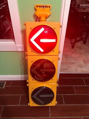 """Retired Traffic Signal Light With Rare Arrows LED With Sequencer, Man Cave! 12"""""""