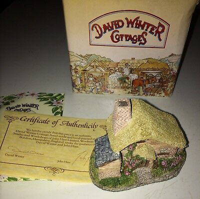 David Winter Cottages Drover's Cottage 1982 with Box & COA Hand Made/Painted