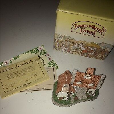 David Winter Cottages The Schoolhouse 1987 with Box & COA Hand Made/Painted