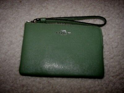 Authentic Coach Women's Wristlet Purse NWT $75 Retail