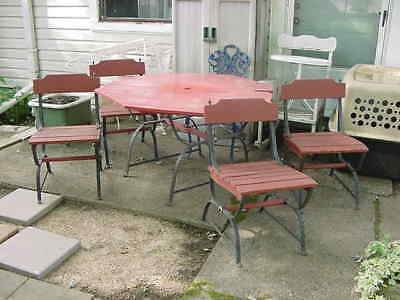 Super Rare Vintage Redwood & Cast Iron Outdoor Patio Table And 4 Chairs