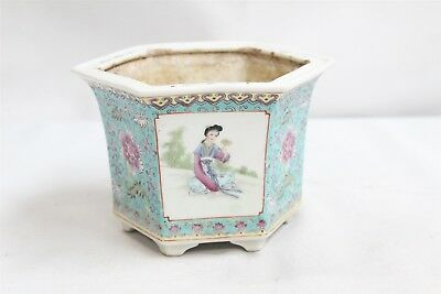 Vintage Chinese Porcelain 3 Panel Kwan Yin 6 Sided Footed Planter
