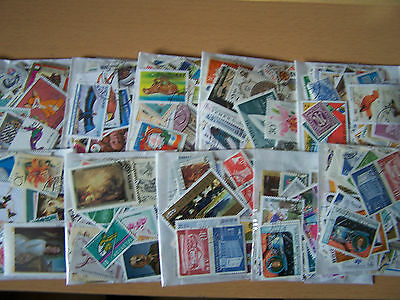 100 X Packets Of 100 Different  World Stamps,nice Lot.