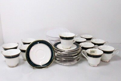 Royal Doulton Marble Biltmore Teacups and Saucers in Quilted Case
