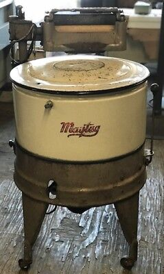 VINTAGE VTG MAYTAG WRINGLER WASHING MACHINE with AGITATOR ROUND
