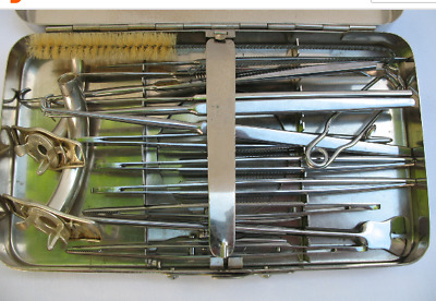 tracheotomy set of tools  /1DS 0480