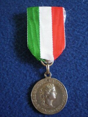 Italy: Medal of Gratitude From the Rome Chapter of the Italian Red Cross 1915.