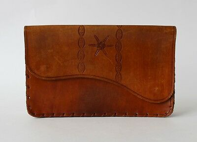 Vintage Retro 60s/70s HAND TOOLED BROWN LEATHER CLUTCH Purse/Hand Bag STARBURST