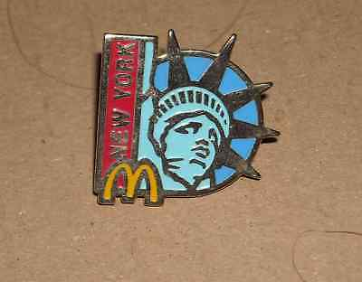 1 PIN'S Mc DONALD'S NEW YORK ARTHUS BERTRAND