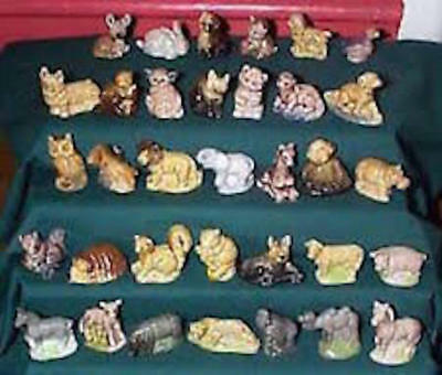 Wade Squirrel & Nut Whimsies Canadian Land Series 1967 Rare