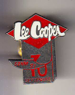 Rare Pins Pin's .. Mode Fashion Jeans Lee Cooper Trade Mark Senm 1991  N°1 ~Cf