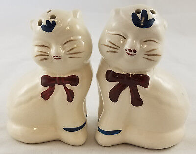 Shawnee Pottery Style Puss N Boots Kitty Cat Salt & Pepper Shakers Set