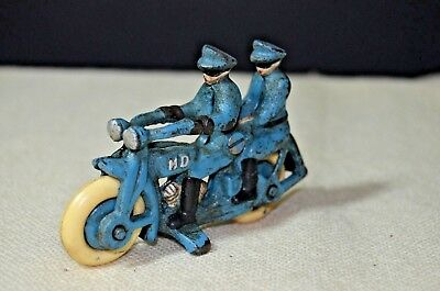 TOY CAST IRON HARLEY DAVIDSON MOTORCYCLE POLICEMEN MARKED HD clay tires patina