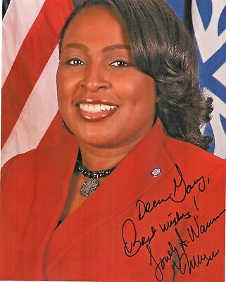Lovely Warren    Mayor of Rochester, New York   Autographed  8 x 10 Color Photo
