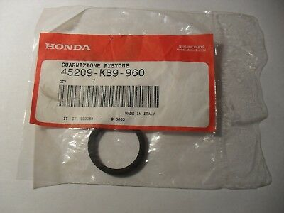 GENUINE HONDA NSR125 NX125 FRONT BRAKE CALIPER PISTON SEAL x1 45209-KB9-960 NOS