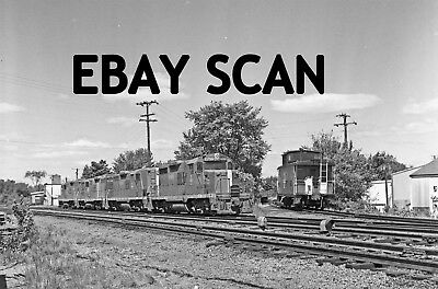 ORIG NEG Boston & Maine GP18 1750 leading a four unit set Original 2 ¼ inch s