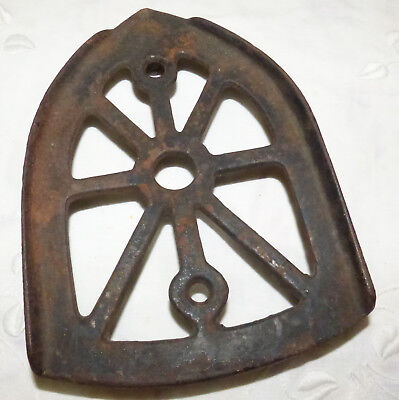 OLD SAD CAST IRON TRIVET with 3 LEGS