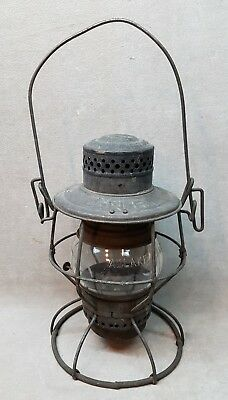 Vintage CNR Canadian National Railway Lantern.