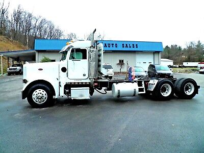 Wrecked Damage Salvage Repairable Project Day Cab Tractor That Runs & Drives