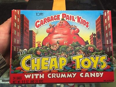 1986 Garbage Pail Kids Box Of 24 Bags Of Cheap Toys With Crummy Candy,look!!!!!