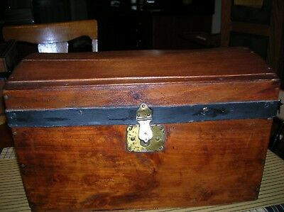 Antique Dome Top Doll Trunk Salesman Sample Wood Chest Lined W/tray Vintage
