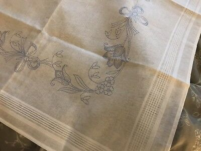 COTTON EMBROIDERY FLOWER'S TABLECLOTH TO EMBROIDER 80x80cm ONLY
