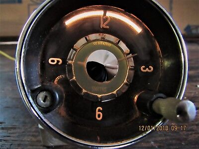 Volvo p1800 1800 smiths clock     working light  NICE  Jensen clock
