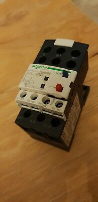 Schneider Electric LRD08 TeSys Overload Relay 2.5 to 4A w/ LAD7B106 Connection