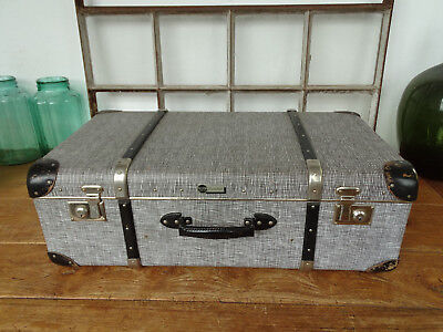 T3786 Old Travel Suitcase um 1950 ~Vintage~ Classic Car with Wooden Strips