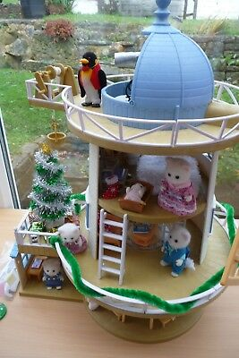 Sylvanian Familes Fieldview Windmill Fully Furnished Incl Christmas Tree/figures