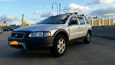 2005 Volvo XC70  Volvo XC-70 2005 silver leather/power seats sun roof