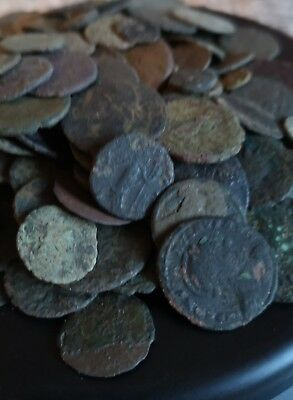 A Large group of low grade Ancient roman bronze coins. (369g)
