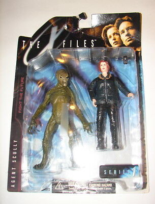X files Scully alien figure set 1998 McFarlane toys series 1 MOC
