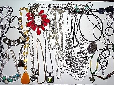 Vintage To Modern Lot Of 21 Fancy Necklaces Lucite? Pearl Style More Pretty