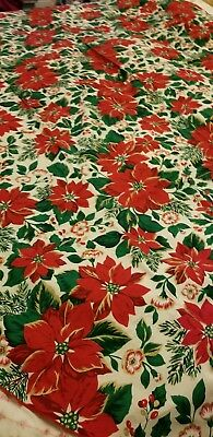 VINTAGE POINSETTA TABLECLOTH LONG OVAL REDS CREAMS GREEN GOLD CHRISTMAS 60 x 82