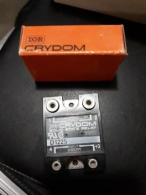 CRYDOM SSR (SOLID-STATE RELAY-NO) MODEL D1225 SPST 25A 24VAC to 140VAC load SCR
