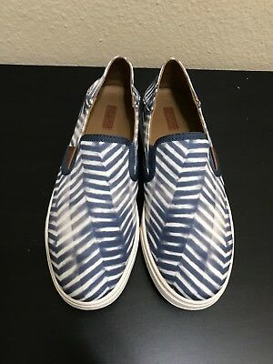 Pre Owned OluKai Women's Pehuea Pa'i Size 7 Loafer Slip On Shoes