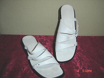 CLARKS White Leather Slide Open Toe Wedge Sandals Shoes Women's Size 8M