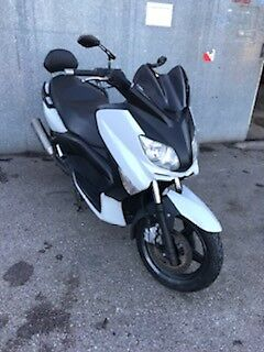 Scooter x max 125