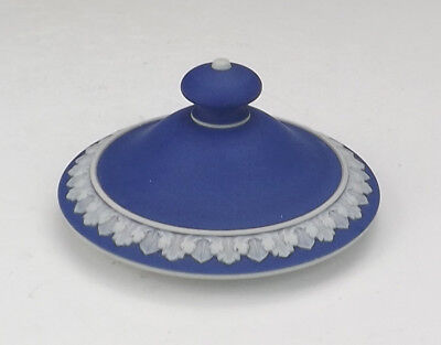 """Antique Wedgwood Pottery - White On Cobalt Blue Spare 3¼"""" Lid - Useful!"""