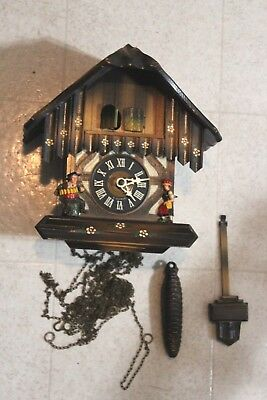 VINTAGE BLACK FOREST CUCKOO CLOCK GERMANY Acordion Player Lady