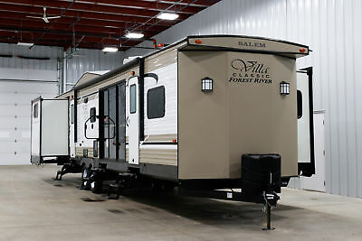 New 2019 Forest River Salem Villa Classic 402QBQ Bunkhouse Destination Trailer