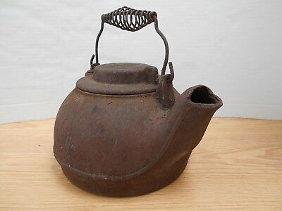 Antique WAGNER WARE Cast Iron Kettle Swivel Lid Coil Bail Handle Sidney Ohio USA
