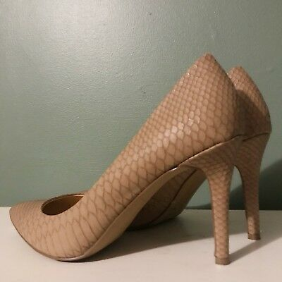 a1cef11abb0d JESSICA SIMPSON WOMENS Levin Pointed Toe Classic Pumps